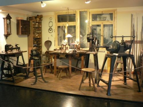 P08 Pencil maker room