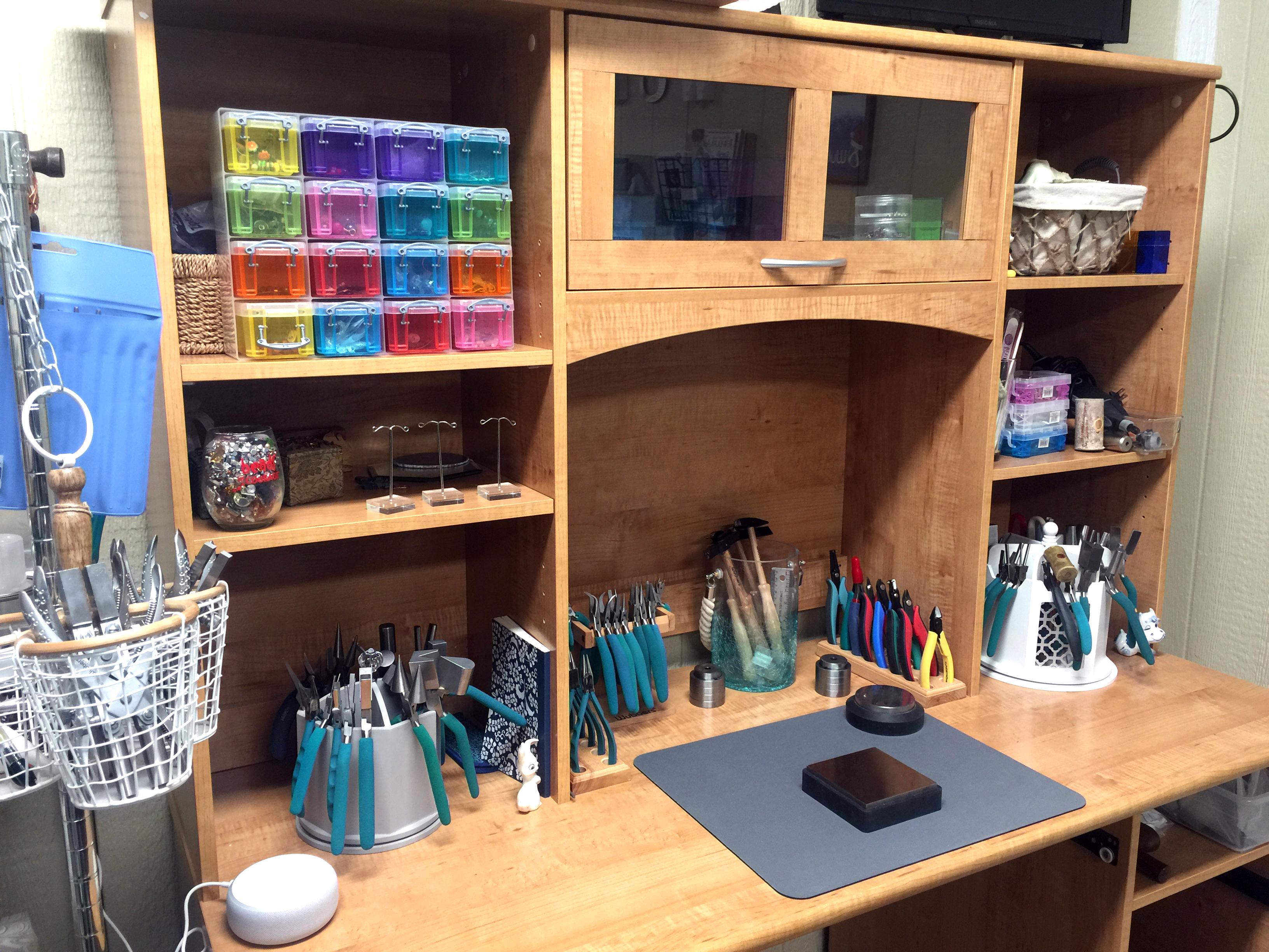 clean desk